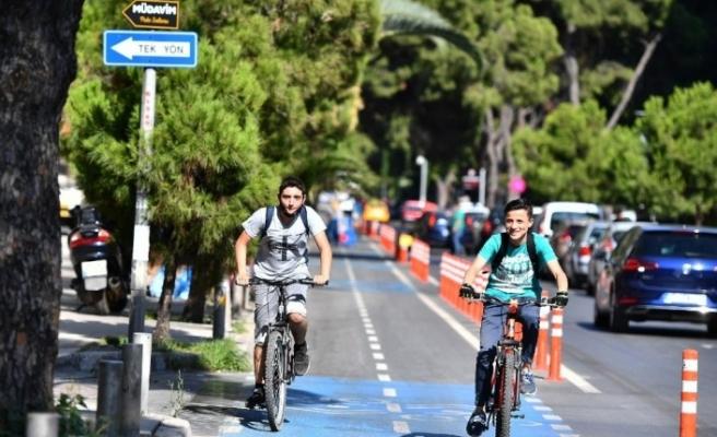 İzmir'de gemiler bisikletliye 5 kuruş