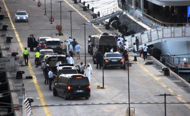 Katar kraliyet ailesi, 2 kamyon eşya 500 valizle Bodrum'a geldi.
