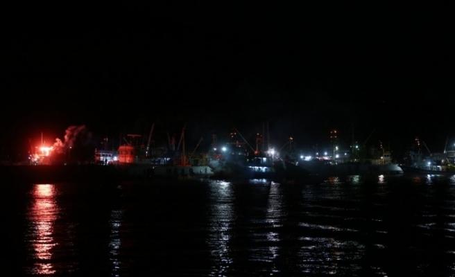 Marmara Denizi'nde balıkçılar 'Vira Bismillah' dedi