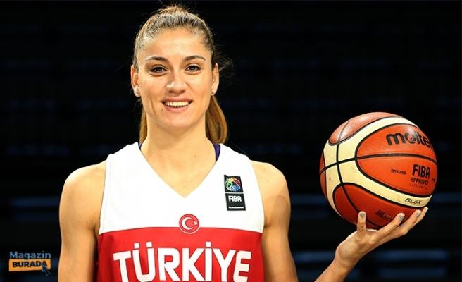 Milli Basketbolcu Bahar Çağlar Ünlü Avukatla Dünya Evine Girdi