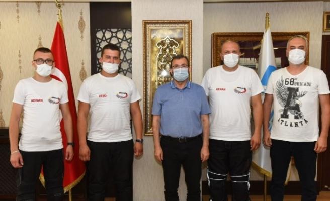Motosikletler ile Bosna'dan çıkıp Ayasofya-i Kebir Cami-i Şerifi'nde şükür namazı kıldılar