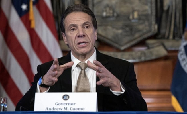 New York'ta kapalı mekanlarda sınırlı şekilde yemek yenilmesine izin verildi