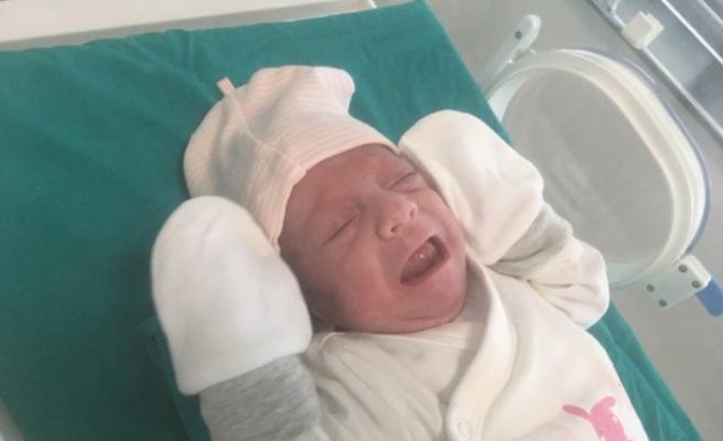 (Özel) 27 haftalık Asena bebeğin hayata tutunma mücadelesi