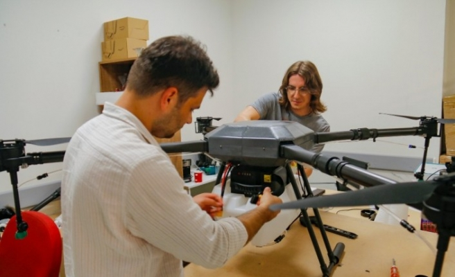 (Özel) Rize'deki zorlukları gören mühendis yerli tarımsal drone tasarladı