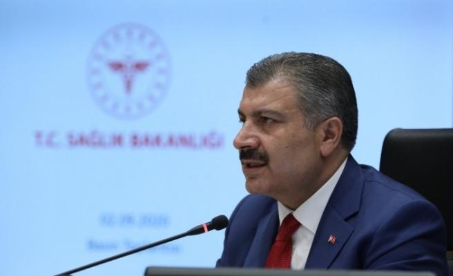 Sağlık Bakanı Koca'dan salgına karşı önlemlere dikkat çeken kapak tasarımı