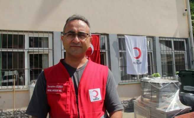 Sel bölgesinde ilk günden beri vatandaşların ihtiyaçlarını karşılıyorlar