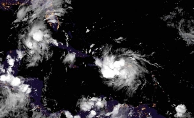 Tarihte ilk kez 2 tropik fırtına Meksika Körfezi'ne doğru ilerliyor