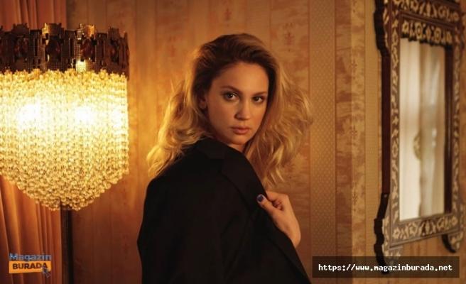 Oyuncu Farah Zeynep Abdullah Ünlü Fenomen Reynmen'i Ti'ye Aldı