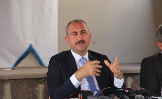 """Adalet Bakanı Gül: """"AİHM'nin vermiş olduğu karar, siyasi bir karar. AİHM'in verdiği kararın kabul edilebilir bir yanı yoktur"""""""