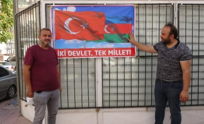Azerbaycan için tek yürek oldular