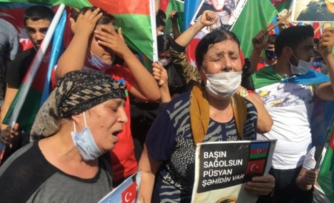 Beyazıt Meydanı'nda Azerbaycan'a destek mitingi