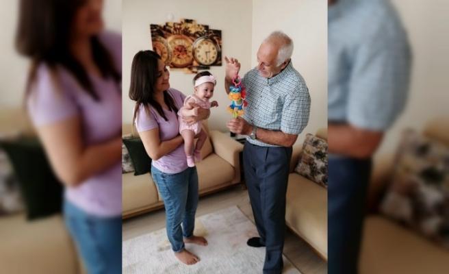 Böbrek nakliyle hem sağlığına hem de kızına kavuştu