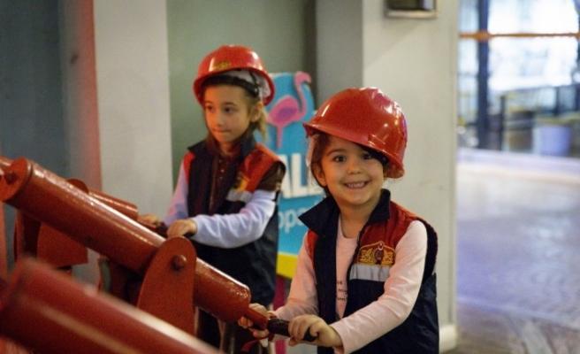 Çocuklar Ülkesi, kız çocuklarının özgüvenini artıracak aktivitelere destek verdi