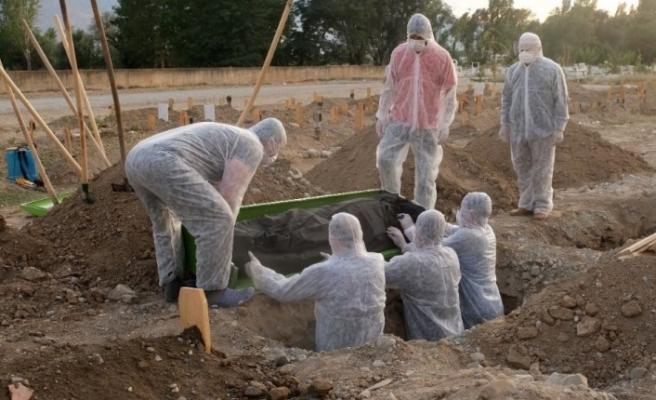 Covid-19'dan ölenlerin cenaze işlemleri İslami usullere göre gerçekleştiriliyor