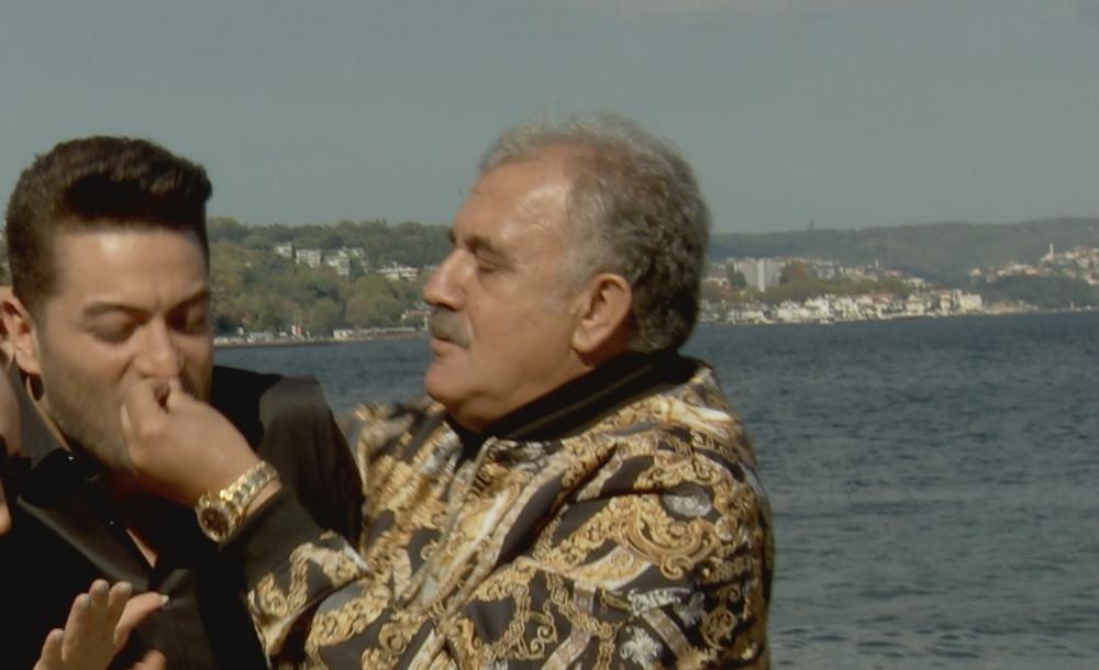 """""""HERKESE ZORLA PARSTA YEDİRDİ"""""""