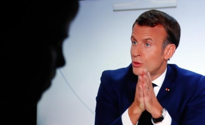 Fransa'da artan vaka sayıları kısmi sokağa çıkma yasağı ilan ettirdi