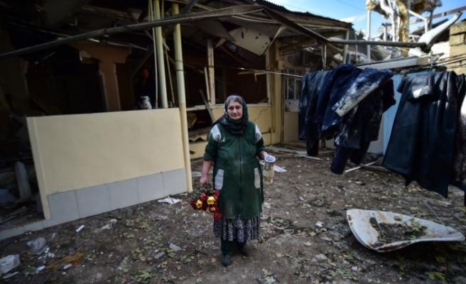 Gence halkı Ermenistan saldırısında hayatını kaybedenleri andı