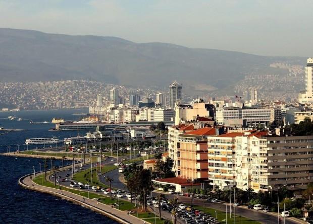 İzmir İl Hıfzıssıhha Kurulu'ndan iki flaş karar! Düğün saatleri değişti, HES uygulaması getirildi