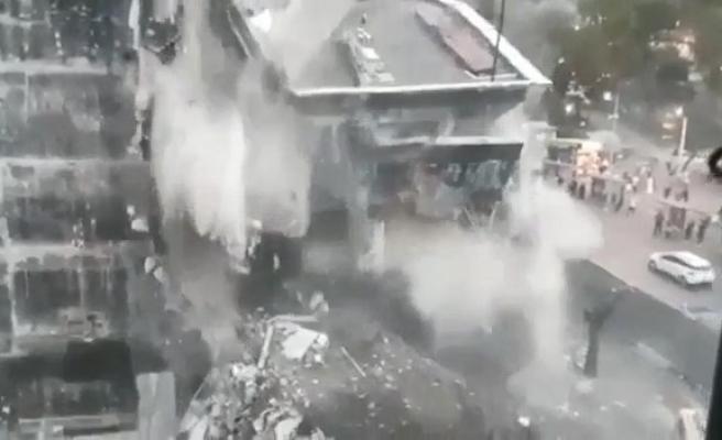 Kızılay binasının ardından İŞKUR binasının yıkılma anı kameralara yansıdı
