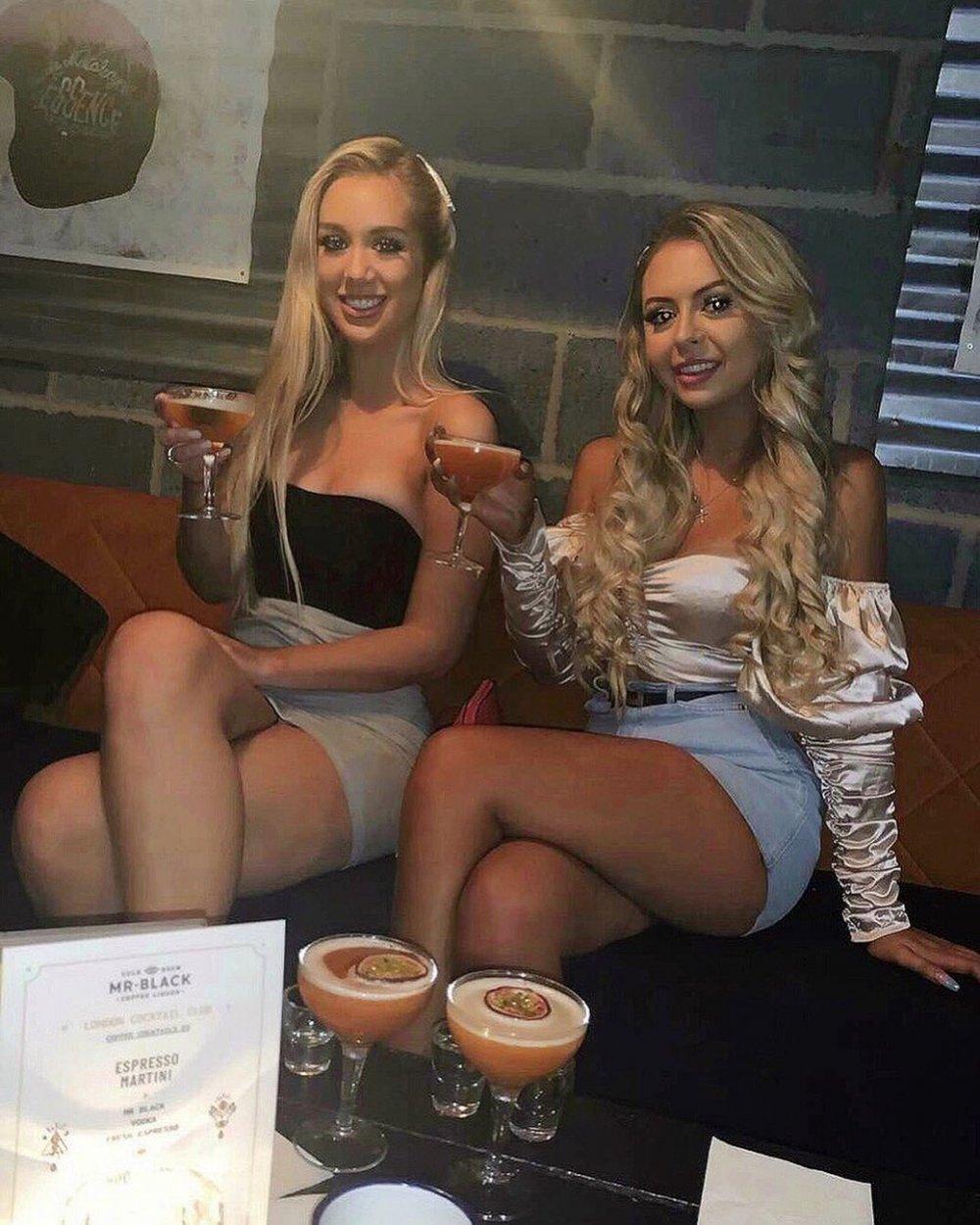 lucy jones seks parti kızlar