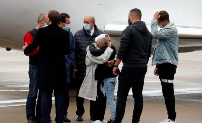 Mali'deki 4 yıllık esaretten kurtulan 75 yaşındaki Fransız aktivist kadın Müslüman oldu