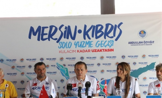 Milli yüzücü Emre Seven, Mersin'den KKTC'ye yüzecek