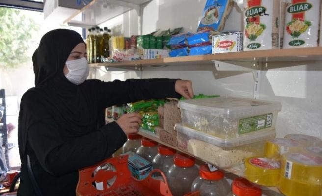 (Özel) Suriyeli sığınmacı aile Türkiye'de hayata tutundu
