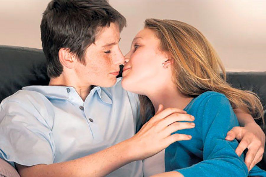 Ergenlik Döneminde Cinsellik: Ailelerin Davranışı Nasıl Olmalı?