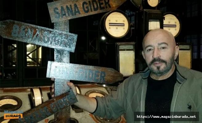 Uzaylı Şarkıcı Mustafa Topaloğlu 'Ya Herro Ya Merro' ile Gündem Oldu