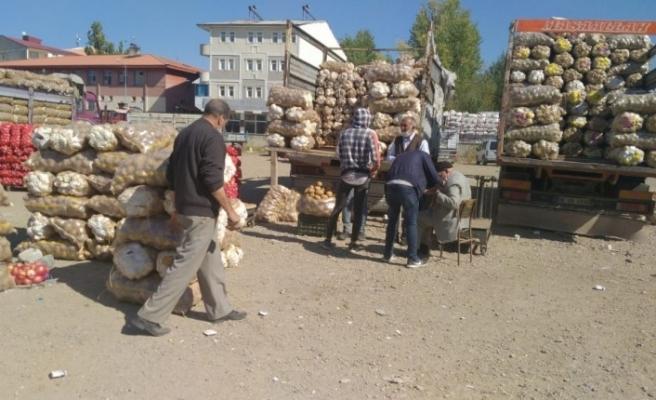 Vatandaşların kışlık patates stoğu başladı
