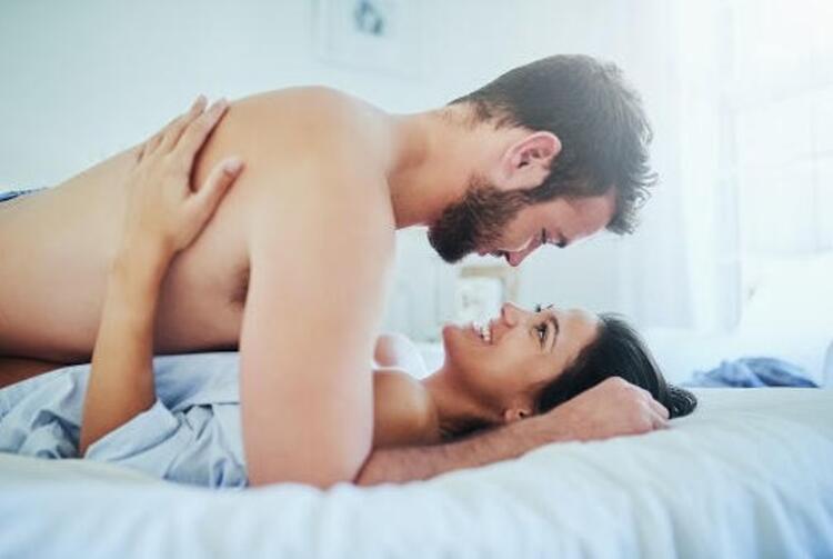 Cinsel İlişkiyi Daha Zevkli Hale Getirecek 4 Öneri
