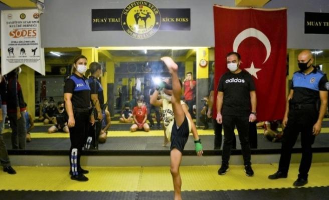 Adana polisi sporcuları sosyal medyadaki tehlikelere karşı uyardı