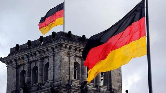 Almanya'da imalat sektöründe toparlanma Kovid-19'da yeni tedbirler öncesi devam etti