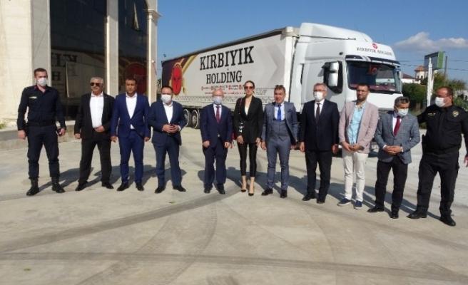 Antalya'dan Bayır Bucak Türkmenlerine yardım tırı