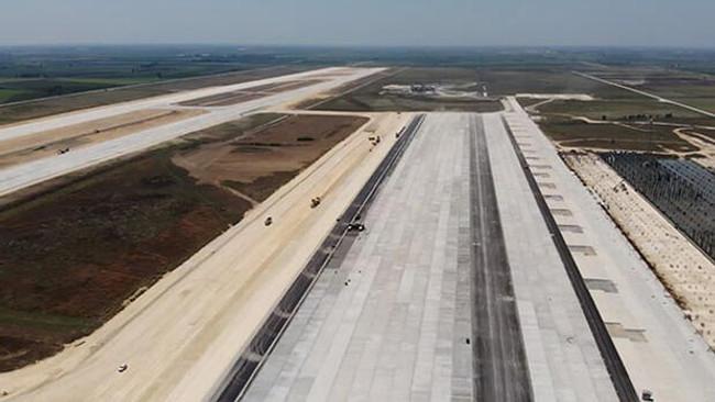 Çukurova Bölgesel Havalimanı'nın üstyapı ihalesi yapıld