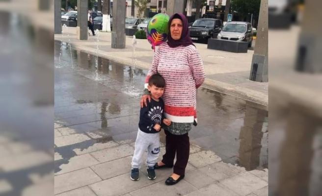 Depremde hayatını kaybeden nine ve torunu Nazilli'de toprağa verildi