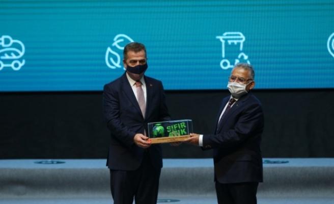Gaziosmanpaşa Belediyesi'nin Sıfır Atık projesi ödüle layık görüldü