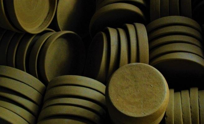 Özel topraktan üretilen çömlekler yoğun talep görüyor