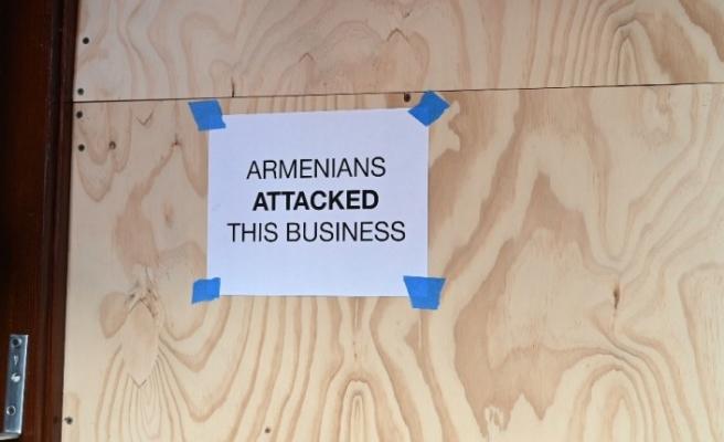 Saldırıya uğrayan restoranın sahibine Türk, Azerbaycan ve Pakistanlılardan destek