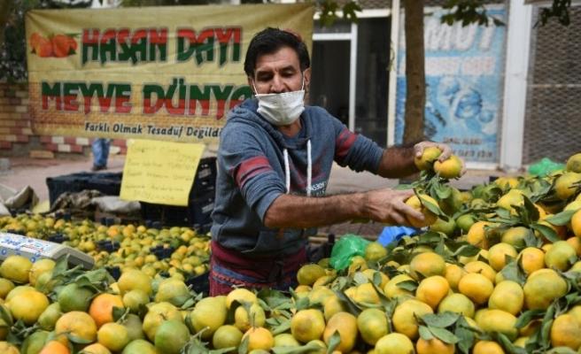 Siverek'te pazar esnafı gelirini İzmir'deki depremzedelere bağışladı