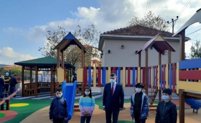 Sultanbeyli' de çocuklar başkana mektup yazdı; parkları yenilendi