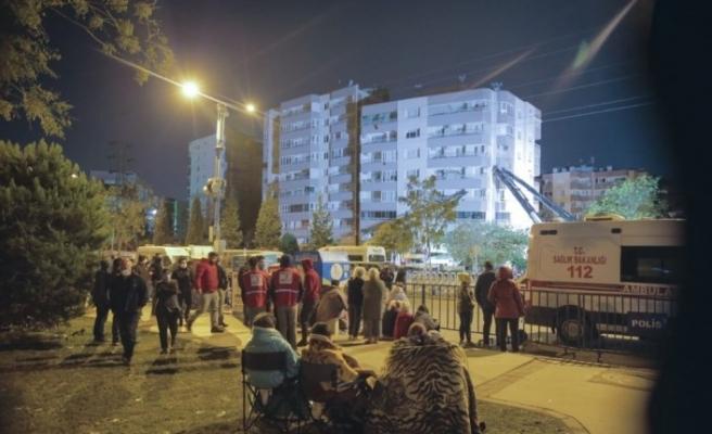 TDV İzmir'de depremin yaralarını sarıyor