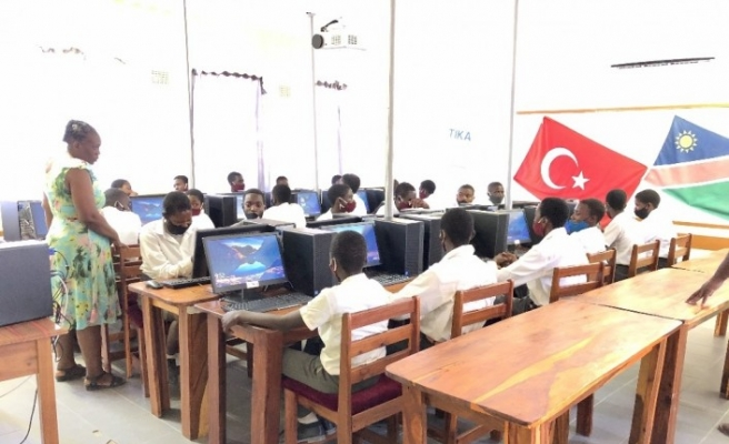 TİKA Namibya'ya Bilgisayar Laboratuvarı kurdu