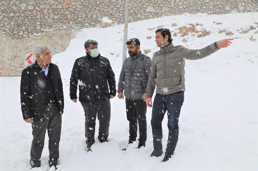 Battalgazi'de karla mücadele 500 personel ile yürütülüyor