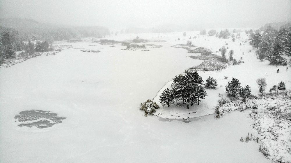 Çamkoru Göleti tamamen dondu