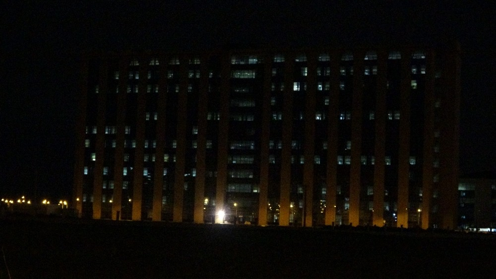 Diyarbakır'da korona virüs vaka saylarındaki düşüş hastane ışıklarına da yansıdı