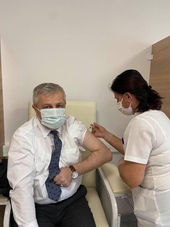 İl Sağlık Müdürü Dr.Yavuzyılmaz, aşının 2. dozunu yaptırdı.