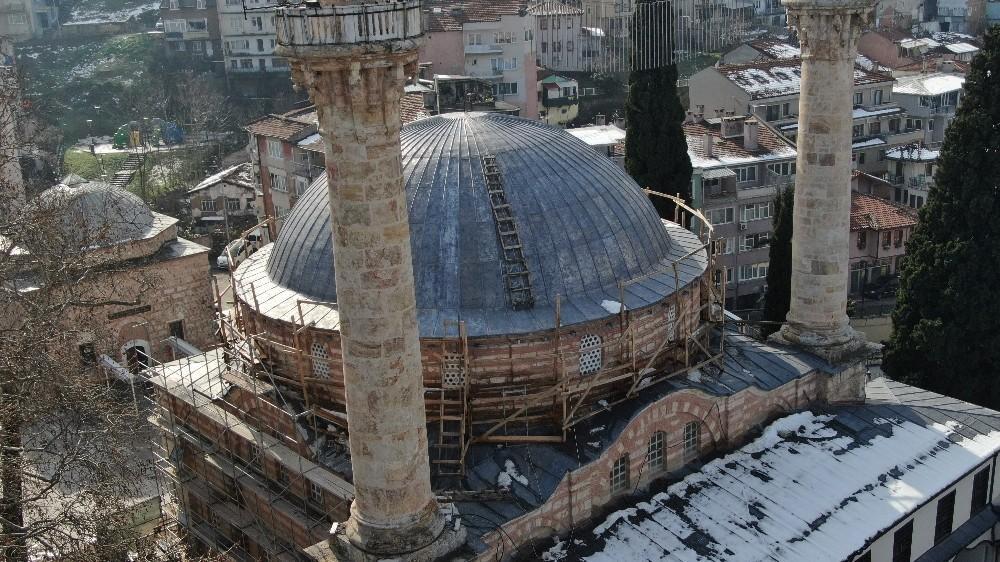 (Özel) 600 yıllık tarihi cami çelik ağlarla örülüyor
