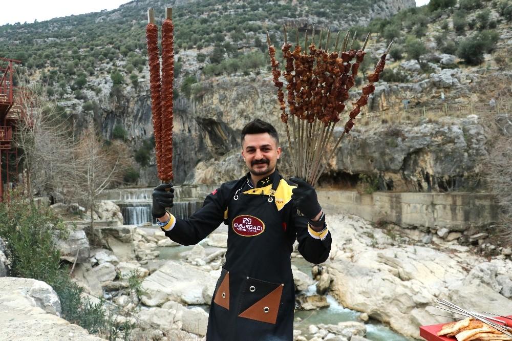 Adana Kebabına turistik mekanlarda tanıtım