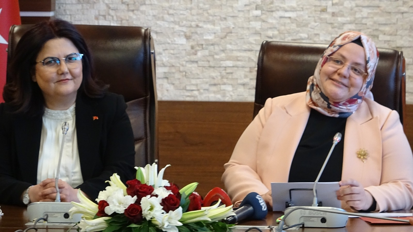 Aile ve Sosyal Hizmetler Bakanlığı görevini Derya Yanık devraldı